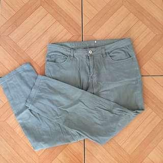 Large gray denim skinny jeans 02