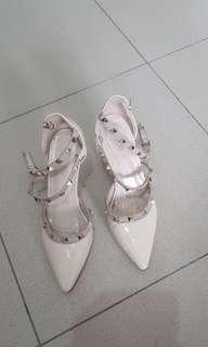 Lawrensia heels
