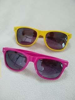 Retro Yellow and Pink Sunglasses // Kacamata hitam Kuning dan Pink