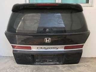 Honda odyssey rear bonet with sopiler