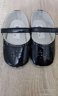 Enfant Anti-slip baby shoes (6-12M)