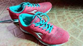 Diadora Pink! - Sport shoes