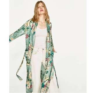 Long floral cardigan / robe