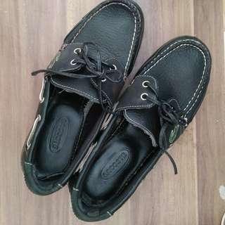 LACOSTE genuine leather