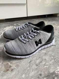 🚚 Warrix Maximum Runner 5.0 Running Shoes - US5.5 EU37 in Light Grey