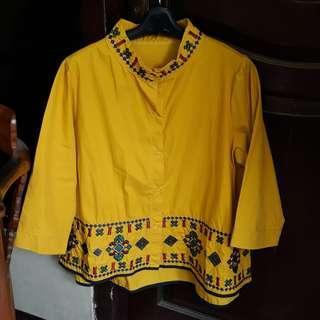 baju chiangi kuning