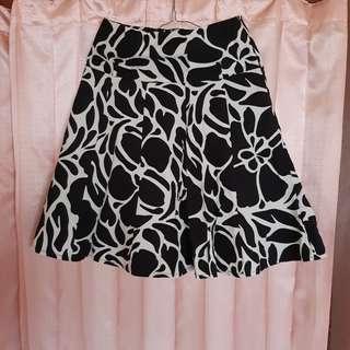 Bawahan rok motif