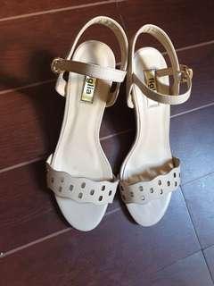 Figlia Beige Sandals