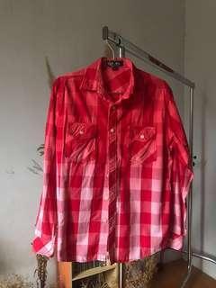 Kemeja Checkered Merah Gradasi Guess #CNY2019