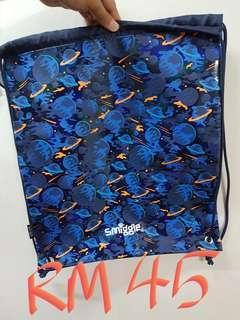 New Smiggle bag
