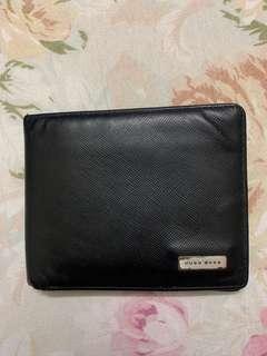 Hugo boss wallet 80% new