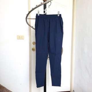 🚚 lativ 彈性緊身褲 / 藏青M