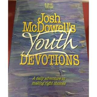 Josh McDowell's Youth Devotions (A Daily Adventure in Making Right Choices)