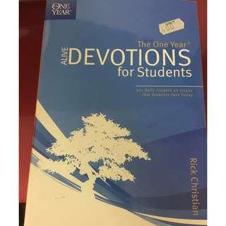 The One Year Alive Devotions for Students - Rick Christian