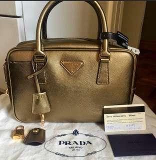 Authentic Prada saffiano bag slightly negotible
