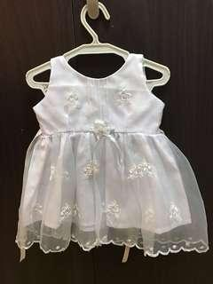 Baptismal white baby dress 0 to 3 months size with hat