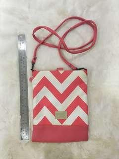 Egg pink and white shoulder bag