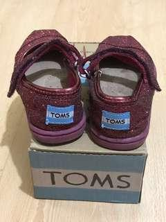 Baby Toms red glitter shoes size 5 with box