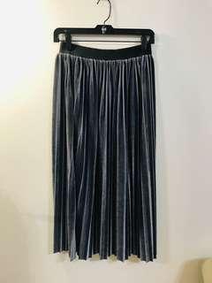🚚 金屬銀灰色百摺裙