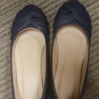 寶藍色內高跟鞋