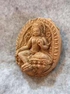🚚 Detailed Old Tibetian Green Tara Holy Clay Monk Blessed Amulet