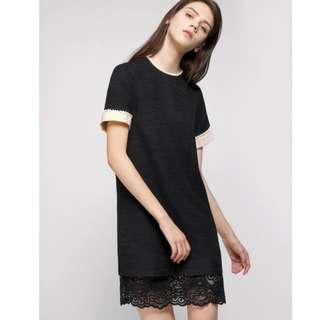 pearl-embellished dress with lace hem