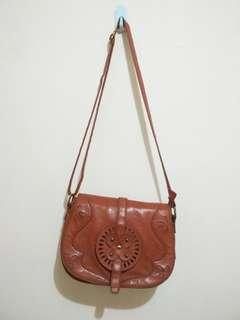 Brown Ethnic bag by Misyelle