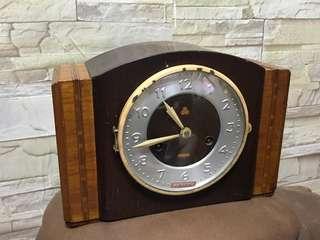 古董 1963年製 三五牌555牌上錬機械木座枱報點鐘,上海鐘廠 生產 全銅機芯