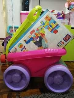 Mega block first builder block scooping wagon with free additional blocks
