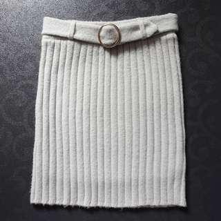 日本品牌 Dazzlin 淺灰色 毛冷 貼身短裙 有內裡