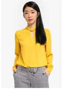40570fd5c9 dorothy perkins   Tops   Carousell Singapore