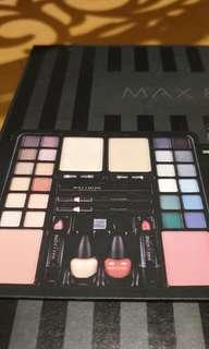 Max&More Australian Brand 39 piece Make-up Box