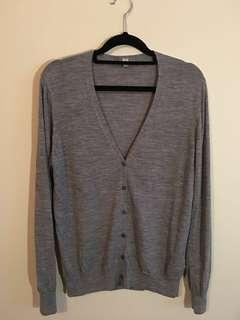 Uniqlo size L cardigan grey color