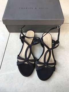 Preloved Charles & Keith Sandals size 36