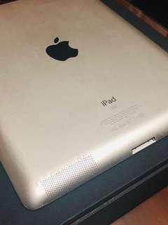 iPad 2 Silver 💋 (Open for Layaway)