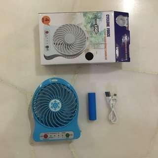 🚚 portable USB charger fan