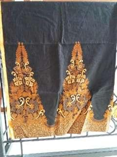 Kain batik motif gunung