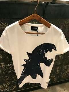 恐龍潮牌情侶T 有需要哪款請PO款示給我 尺寸:S~XL 賴lucky2200(小培) FB:南部雜貨舖