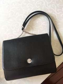 Tas sling bag hitam