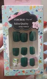 New! Faux Nails 24pcs Color green