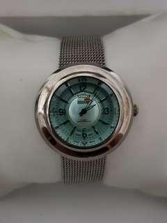 🚚 Tommy Hilfiger watch for ladies with stainless steel bracelet