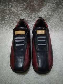 Louis Vuitton sneakers size 36