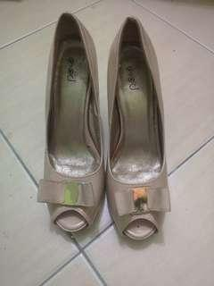 Beige / Nude Heels