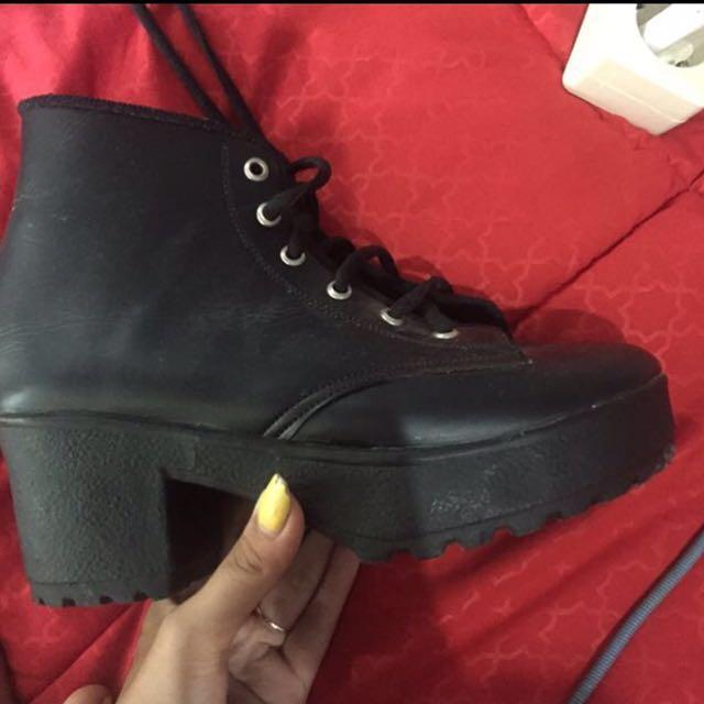 Boots hells