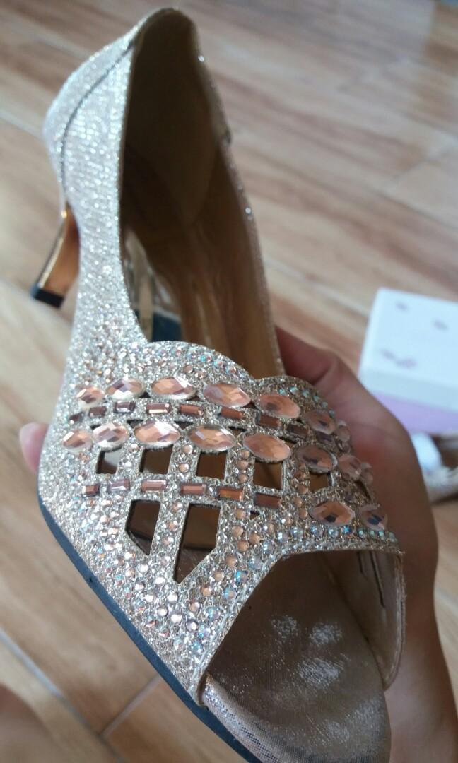 High heels lawrensia