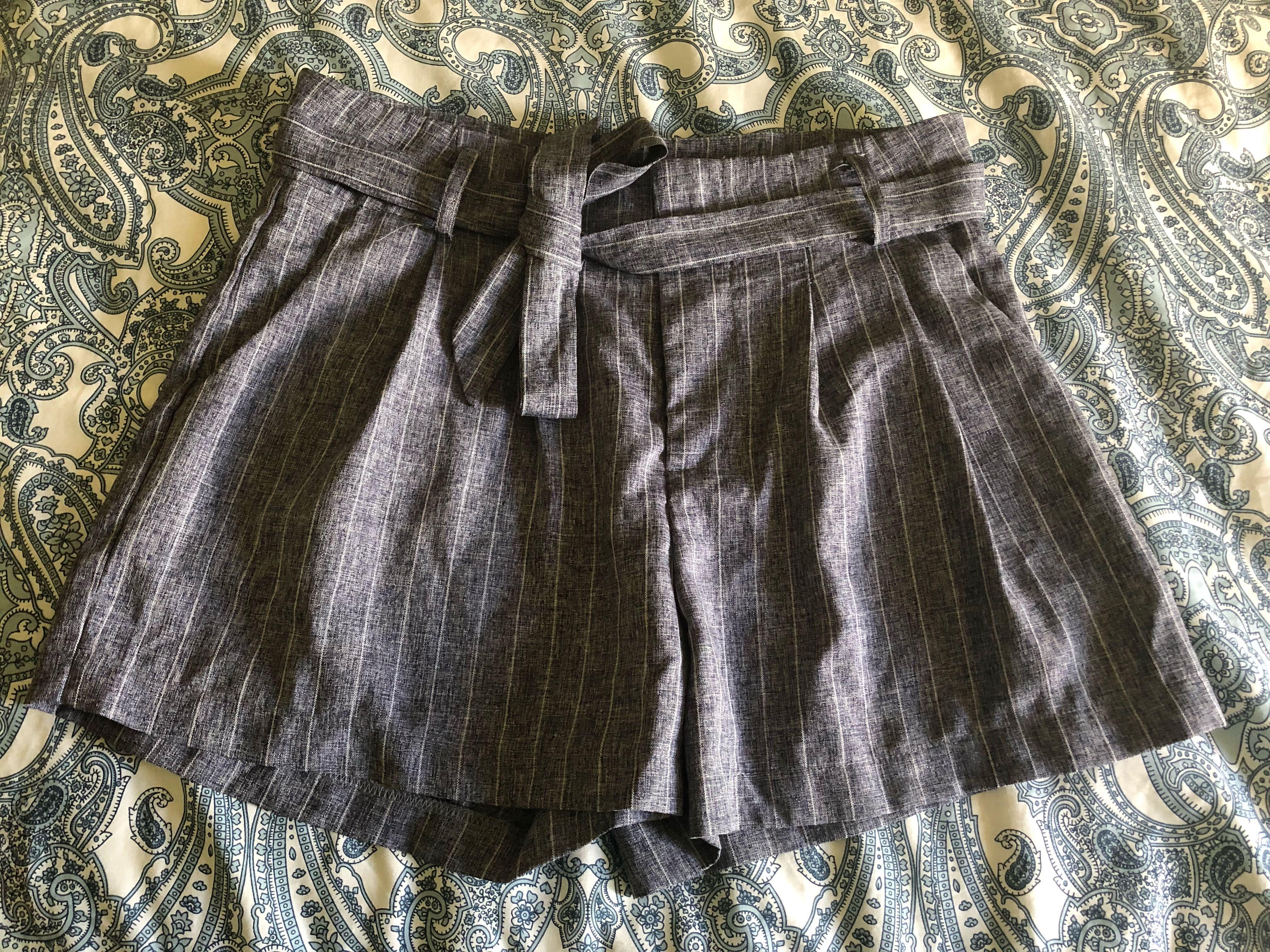 High waist paper bag shorts