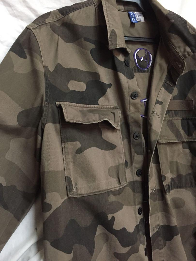 a9dd86c4d462b H&M DIVIDED CAMOUFLAGE JACKET, Men's Fashion, Clothes, Tops on Carousell