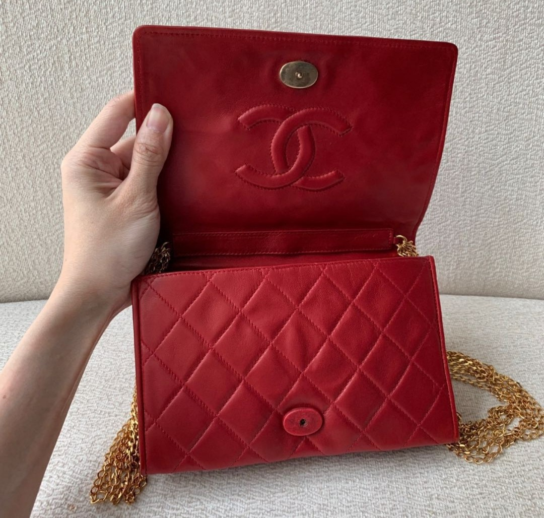 31bf327a436d67 Lovely Authentic Chanel Lambskin Shoulder Slingbag/Flap, Luxury ...
