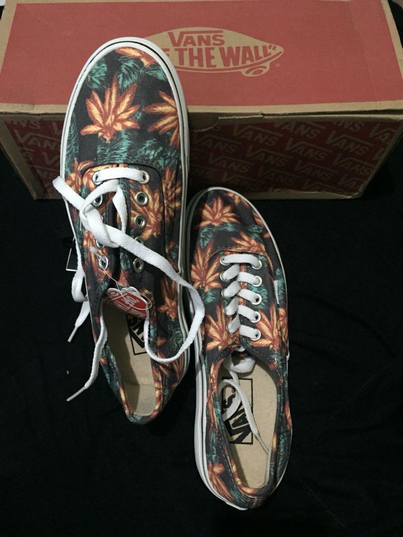 Turun hargaaa lagii !!!Vans authentic aloha ca996238ef