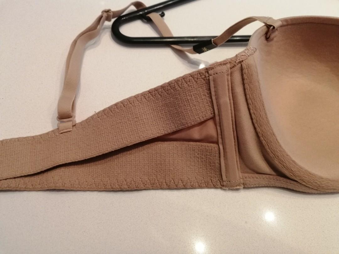 VICTORIA SECRET 34C $48.50 strapless SANS BRETELLES nude lace